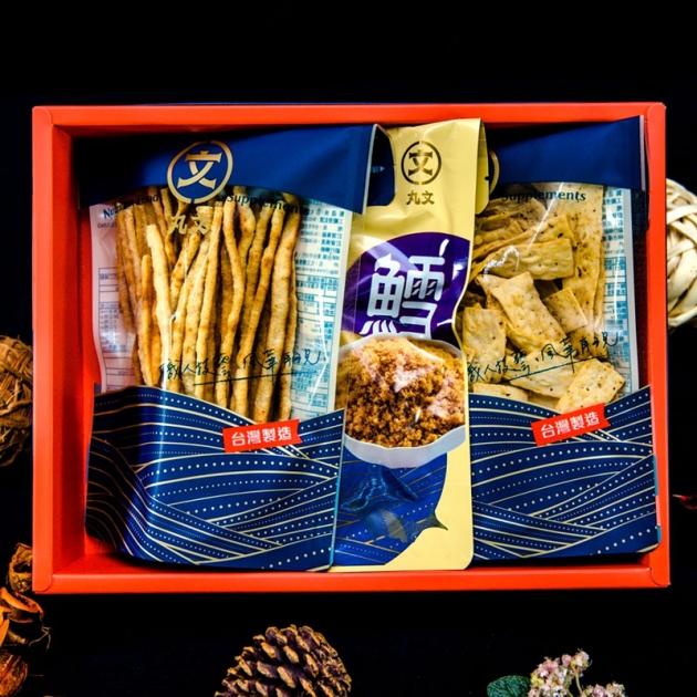 鱈魚風華禮盒(鱈魚酥220g+塔香鱈魚切片100g+鱈魚條120g) 1